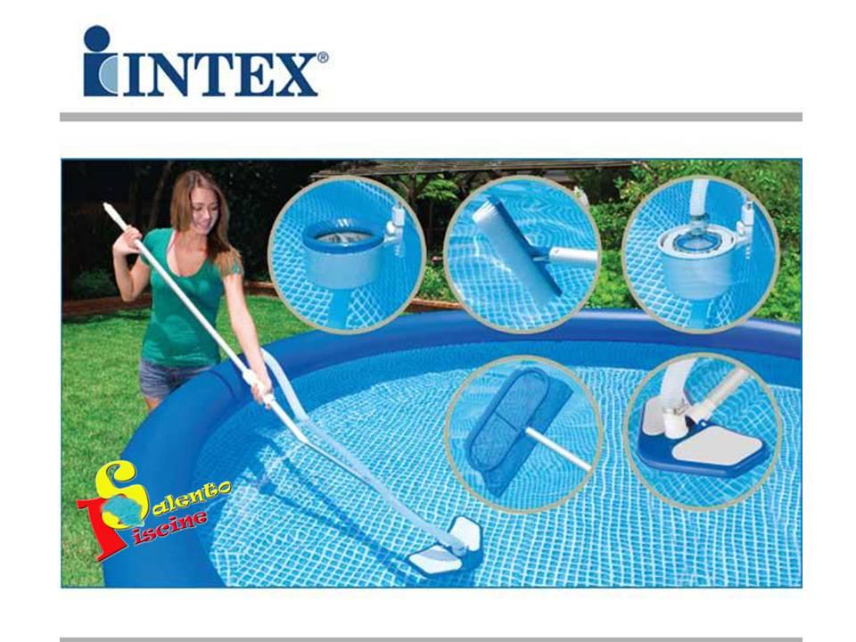 Kit di pulizia deluxe intex for Accessori per piscine intex